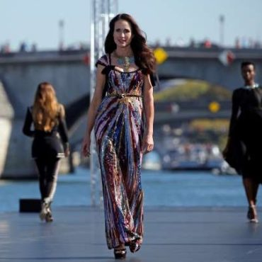 Andie MacDowell 60, Walks Paris Fashion Week